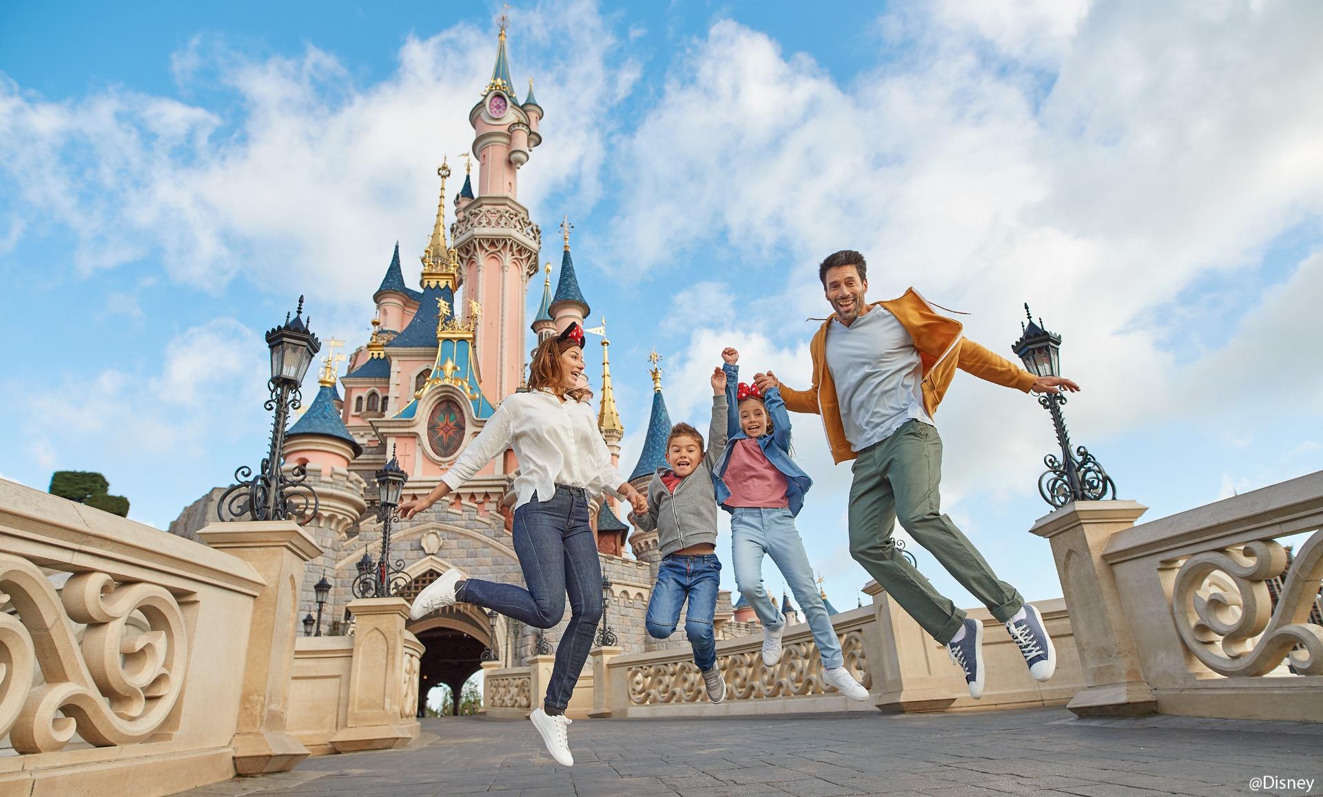 Familie i Disneyland Paris