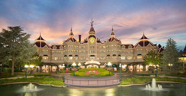 Disneyland Hotel® ★★★★★